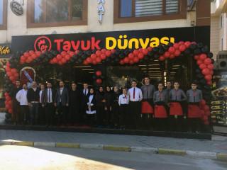 Tavuk Dünyası, Kocaeli'nde 9'uncu, Gölcük'teki ilk restoranını açtı fotoğraf