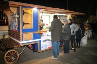 Menderes Belediyesi sıcak çorba ikramına başladı fotoğraf