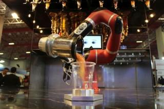 Barmen robot, HORECA sektörünün hizmetinde fotoğraf