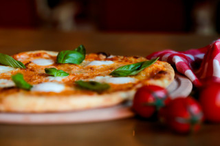 Wish More Hotel'den Napoli pizzası fotoğraf